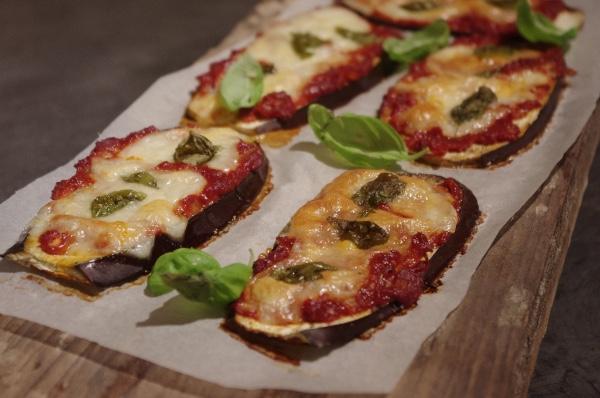 Skinny pizzaatjes van aubergine